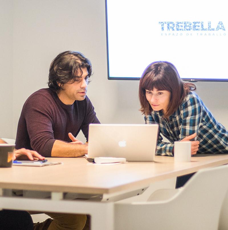Sala de xuntas de Trebella, coworking Cangas